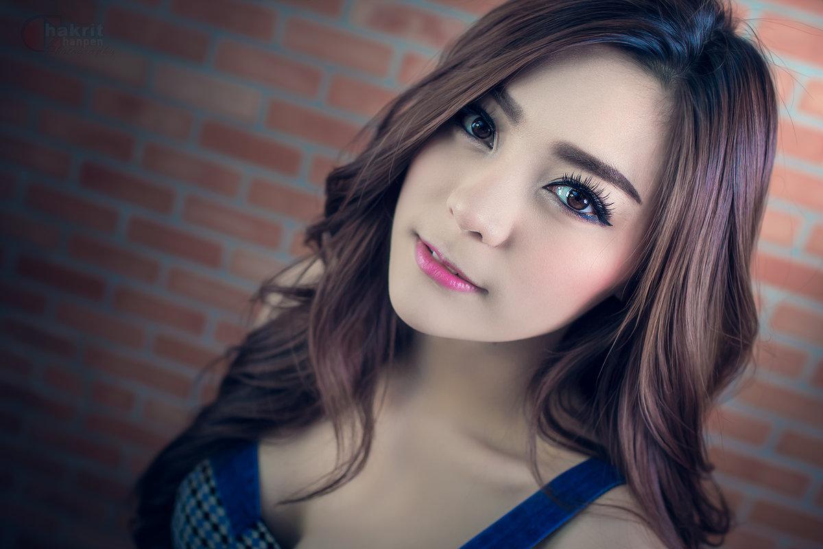 asian-girl-dj